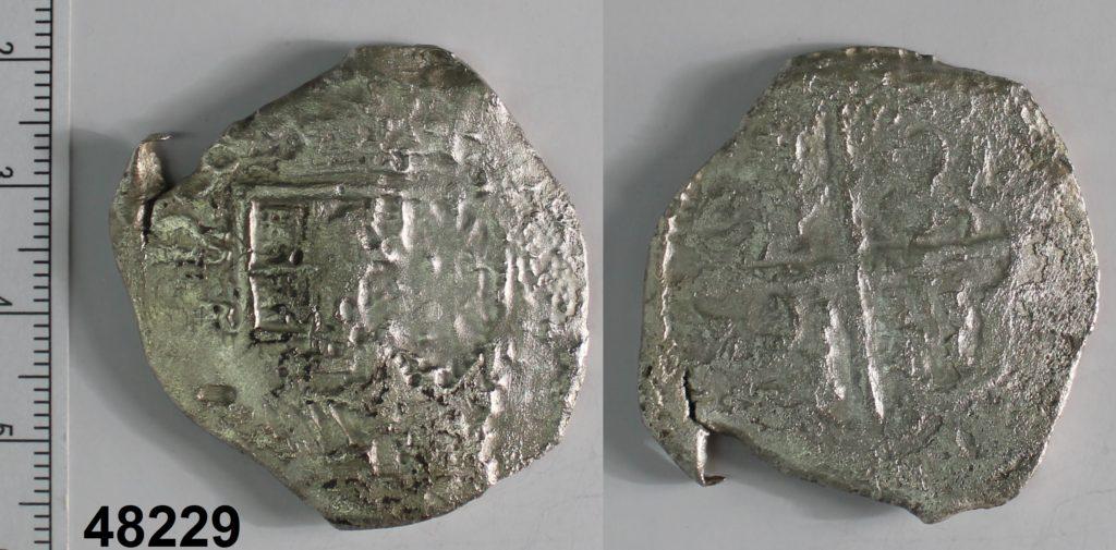 Moneda macuquina de 8 rals de plata de Felip III o Felip IV. Seca de Sevilla. Assajador Jerónimo Rodríguez