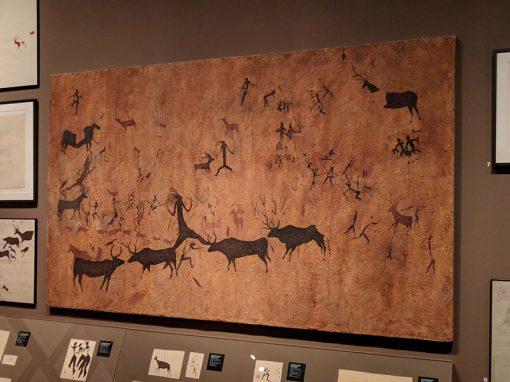 Reproducció de les pintures rupestres de la Cueva de la Vieja a l'exposició «Art Primer». Irene Garcia