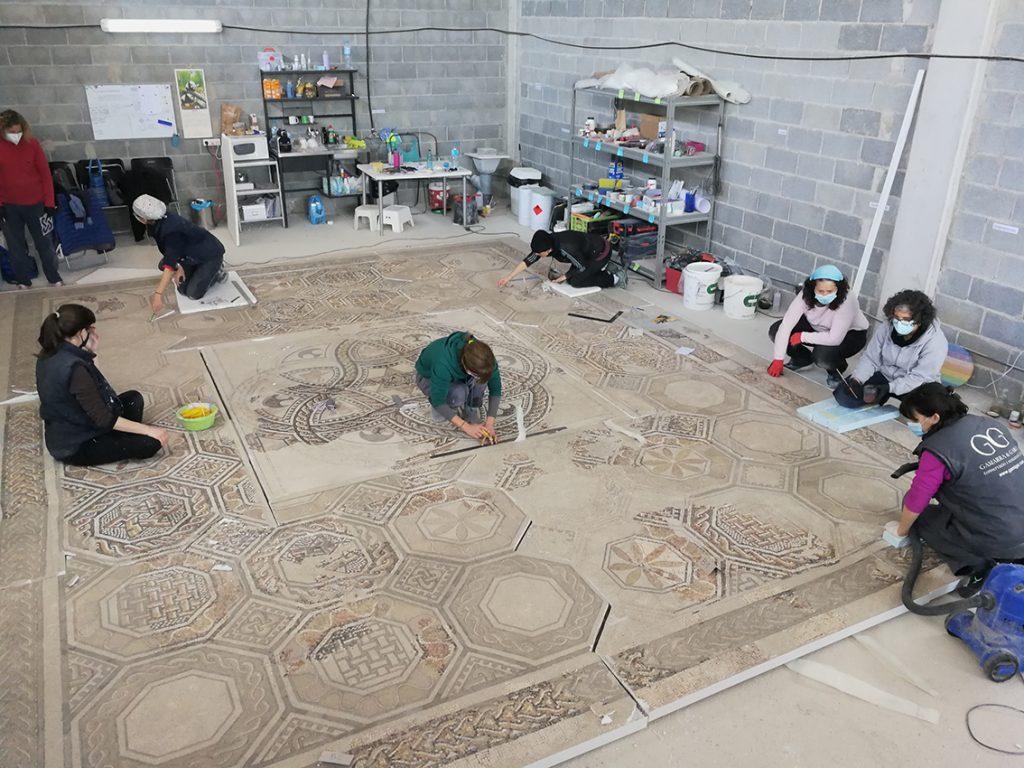 Fig. 15. Prova d'ajustament entre els nou plafons que formen el mosaic